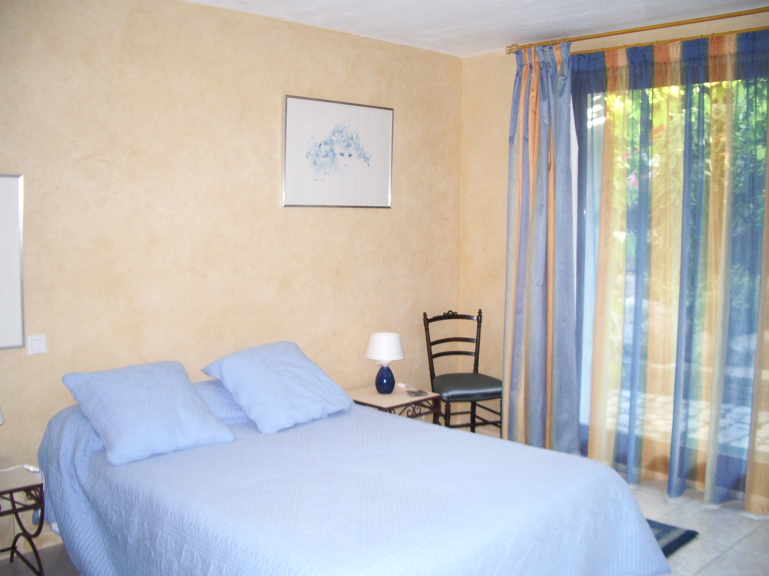 Visite guide de la villa juline chambre d 39 hote avec piscine for Guide chambre hote